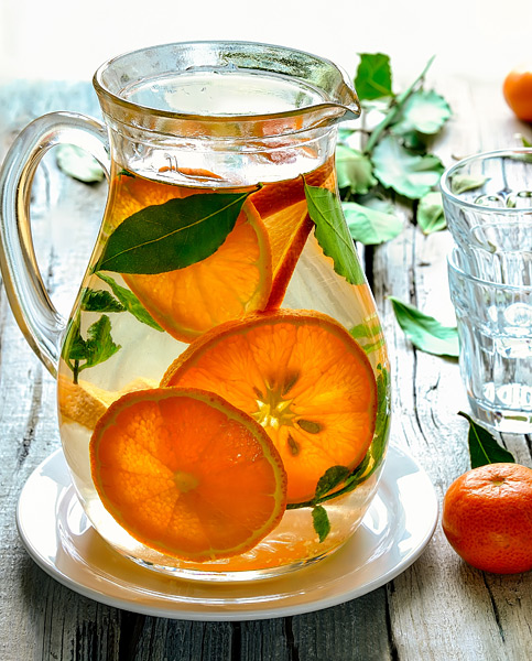 Water Kefir with orange slices